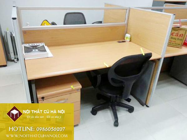 Bàn văn phòng cũ Giá Rẻ nhất tại Quận Long Biên