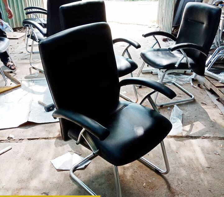 Địa chỉ bán lẻ, thanh lý ghế văn phòng, ghế giám độc tại Hà Nội